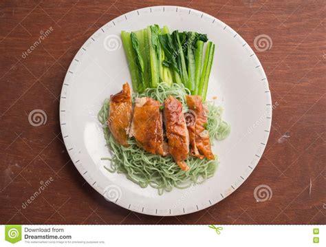 imagenes tallarines verdes tallarines verdes con la reuni 243 n del pato y la tabla de