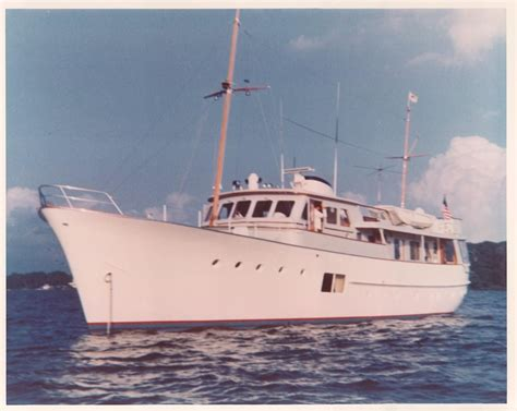 stern of boat in french 1964 feadship classic canoe stern power boat for sale
