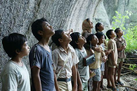 film layar lebar indonesia bikin baper 10 novel indonesia ini sukses diangkat ke layar lebar