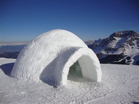 igloo house panoramio photo of un igloo ma non siamo in alaska ma