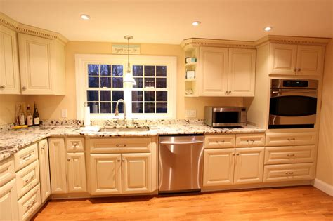 spraying kitchen cabinets white how to paint cabinets antique white with glaze www
