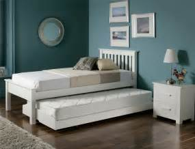 Best Mattress For Guest Bedroom - guest beds for small spaces homesfeed