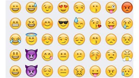 clinking glasses emoji 100 clinking glasses emoji two hearts clinking