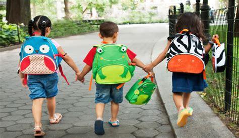 imagenes niños escolar consumo lanza una ca 241 a para quot hacer un buena compra quot del