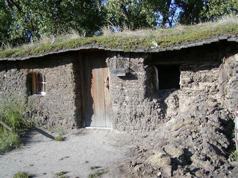 sod house pioneer life