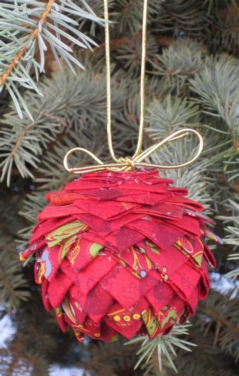 prairie point pinecone tree ornament a free pattern
