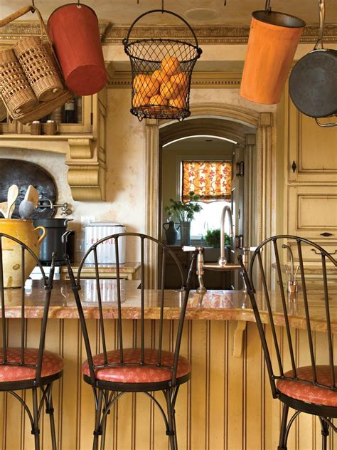 Kitchen Bar Stool Painting Ideas: HGTV Pictures & Tips   HGTV