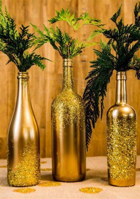 10 maneiras de decorar a mesa de natal com garrafas de