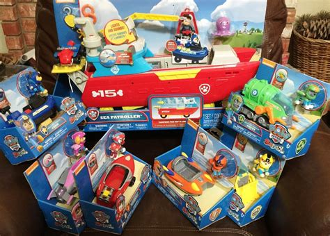 paw patrol boat toys paw patrol sea patroller w 6 vehicle playsets complete