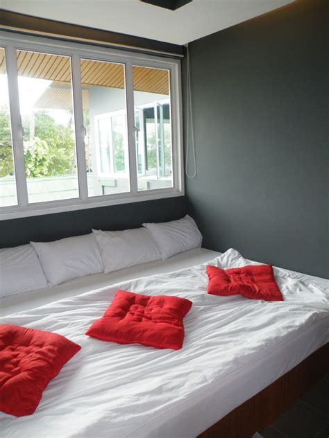wall to wall bed review marina residence on ko samui s bang rak