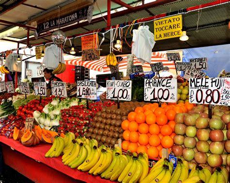 banchi frutta roberto frutta e verdura torino mercati