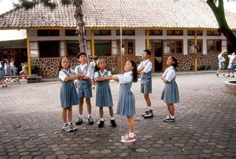 film indonesia sekolah 7 film indonesia berlatar sekolah yang sukses besar mana