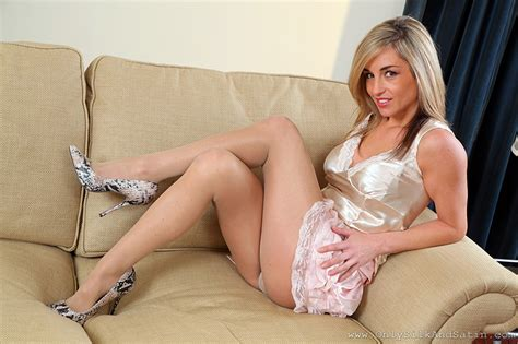 pantyhose mellanie wallpapers melanie walsh pantyhose blonde girl girls legs sofa