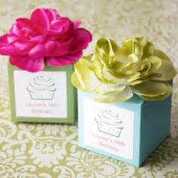 Garden Favors by Personalized Flower Topped Favor Box Garden Theme
