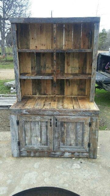 kleiner speisesaal hutch pallet wood china cabinet pinteres