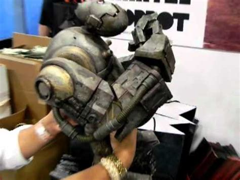 Threea Emgy Caesar 1 6 3a mongrol from idw 2011 sdcc booth 2