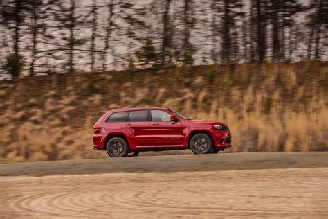 racing jeep grand 2018 jeep grand trackhawk goes racing on