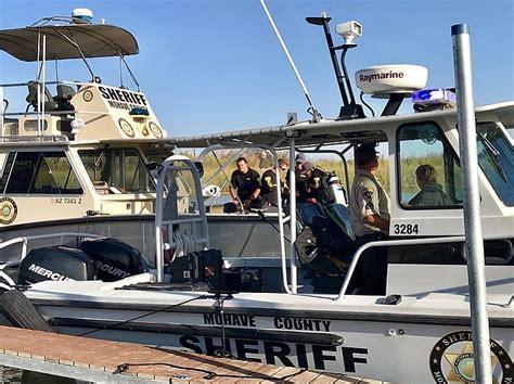 boat crash topock az search for fourth boat crash victim moves south the