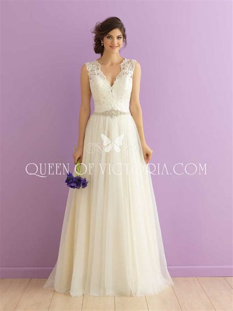 V Neck Wedding Dress by Scalloped V Neck Sleeveless Lace And Tulle Feminine A Line