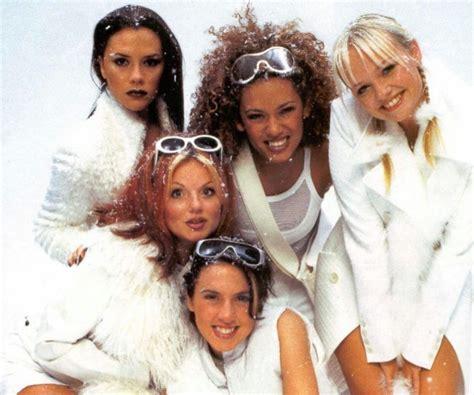 pin  sian ogorman  snowbombing ski spiration spice girls cool girl victoria beckham outfits