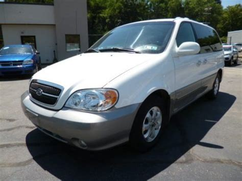 Kia Sedona Specifications 2005 Kia Sedona Data Info And Specs Gtcarlot