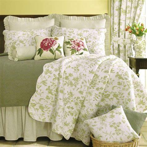 Ideas For Toile Quilt Design C F Enterprises Brighton Green Toile Quilt Set Home Kitchen S Guest Room