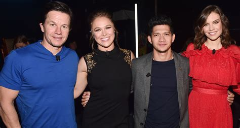 film iko uwais and ronda rousey mark wahlberg brings mile 22 to cinemacon 2018 with