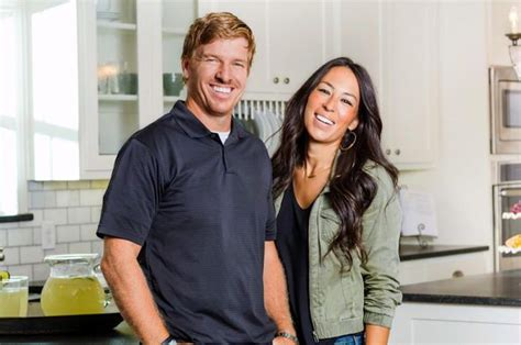 chip and joanna gaines facebook chip and joanna gaines share adorable gender reveal on twitter