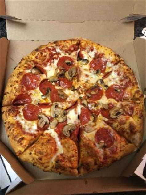 domino pizza hand tossed hand tossed pepperoni and mushroom picture of domino s