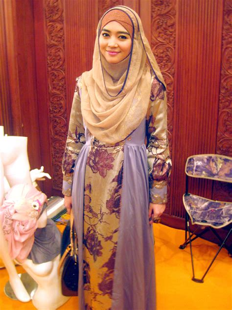 tutorial hijab pengantin nuri maulida gaya hijab modern ala nuri maulida tutorial pashmina by