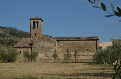 monastero di san salvatore ap 176 guide castelfranco di sopra in italy tuscany tripmondo