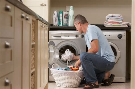 Laundry Handuk cara menghemat air saat mencuci pakaian