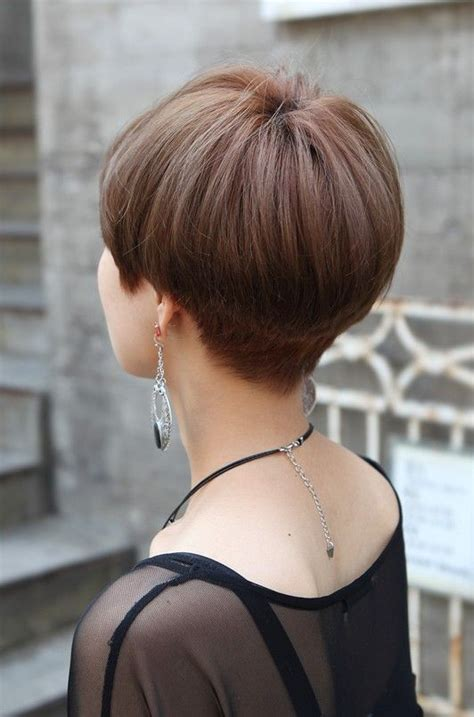 wedge haircut with stacked back back view of cute short japanese haircut back view of
