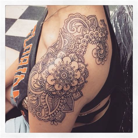 henna tattoo girl paisley mandala boho with tattoos