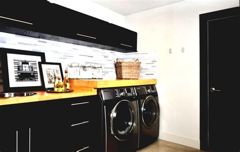 20 Ultra Modern Laundry Rooms That Fit Into The Most Black Laundry