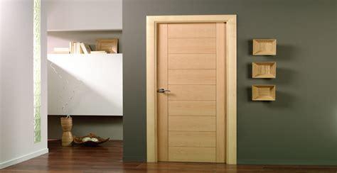 tipos de puertas de madera interior puertas de interior modelos y tipos