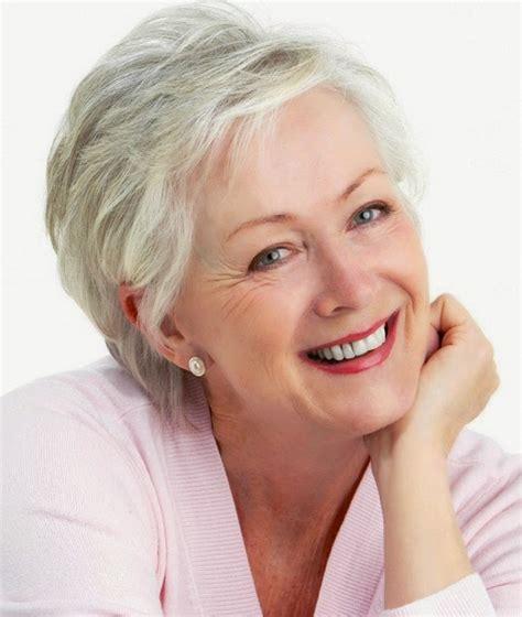 short hair for 60 years of age los mejores cortes de pelo mediano para mujeres mayores de 50
