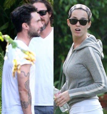 Kaos Musik Kaos Katy Perry katy perry ajak adam maroon 5 dan sia untuk garap album