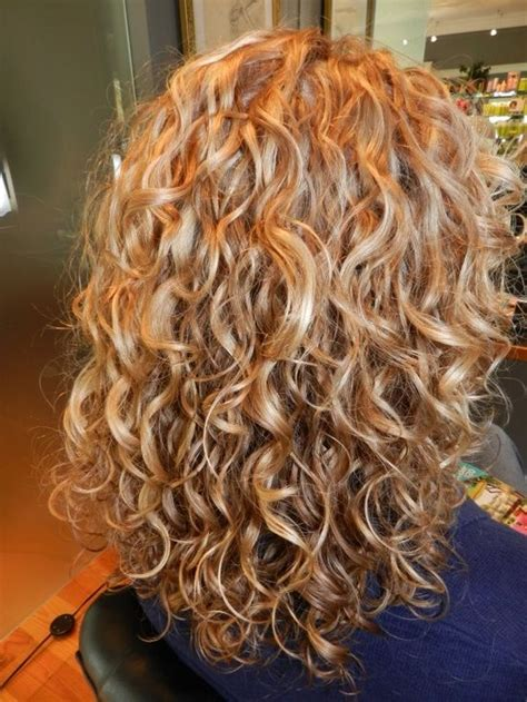 perm left to dry naturally on medium to long hair 292 best white girl naturally curly hair images on