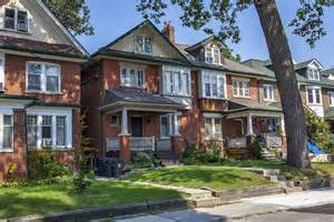 homes in toronto canada should you accept a offer on your home