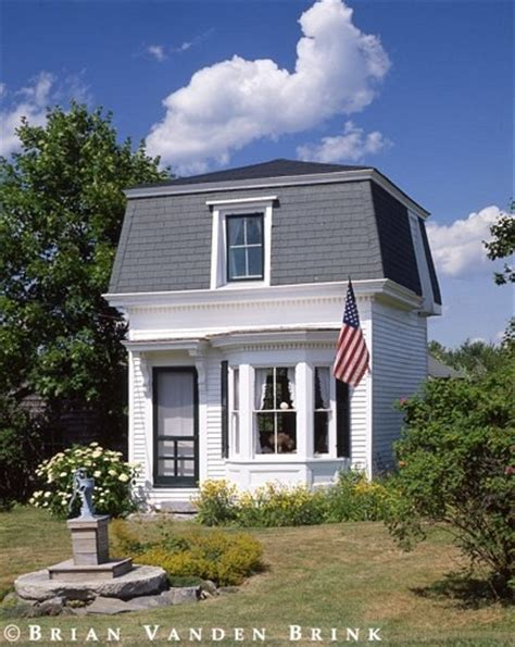 Small Homes Maine Tiny House I D To See The Interior The Website Has A