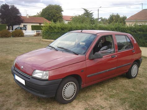 renault car 1990 1990 renault clio 1 7 rt 5 door car photos catalog 2018