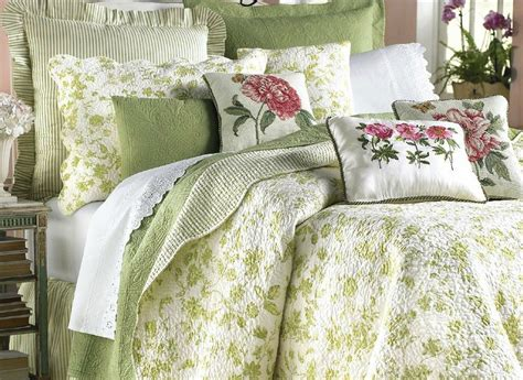 williamsburg comforter collection brighton green toile quilt by williamsburg
