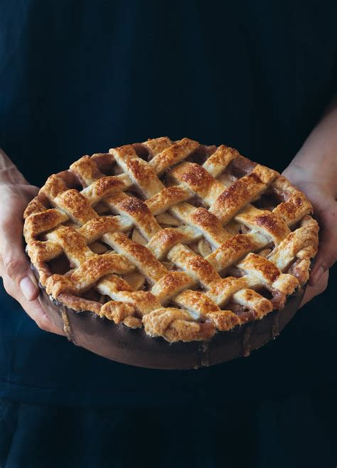 beautiful pie crusts are easier than you think tarateaspoon how to make a lattice pie crust pretty simple sweet