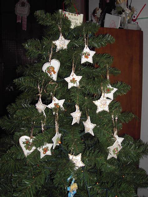 Addobbi Con Stelle Di Natale by Addobbi Per L Albero Di Natale Con Stelle E Cuori In Pasta