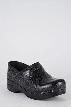 are dansko clogs comfortable comfortable work shoes on pinterest