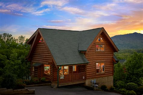 Log Cabin Homes In Tennessee by Log Homes And Cabins For Sale In Gatlinburg Tn