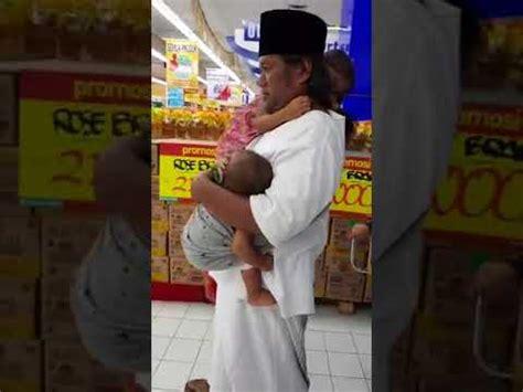 gus muwafiq momong anak anak jajan  pasar swalayan youtube