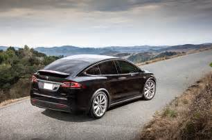 Who Is Tesla 2017 Tesla Model X Reviews And Rating Motor Trend