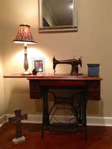 decorating with antique sewing machine great ideas